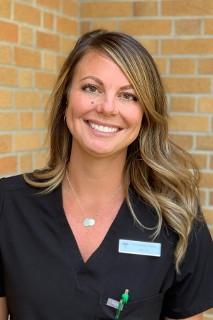 Nikii, Dental Assistant